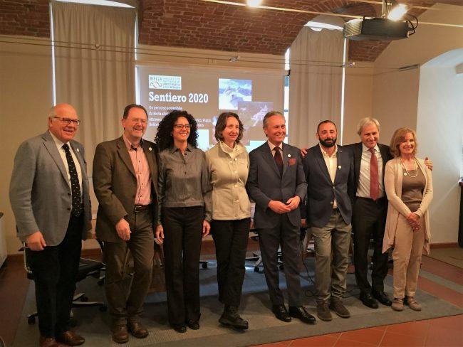 La squadra che sostiene il progetto del Sentiero 2020. Da sinistra: C. Piacenza, R. Bresciani, A. Pistoletto, V. Varnero, F. Ferraris, A. Ramella Pralungo, V. Barazzotto, S. Perolo