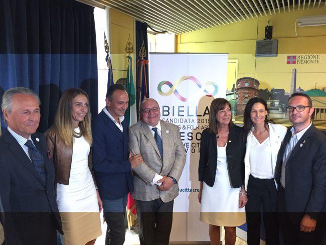 Cirio con i biellesi e i testimonial di Torino per Biella candidata Unesco