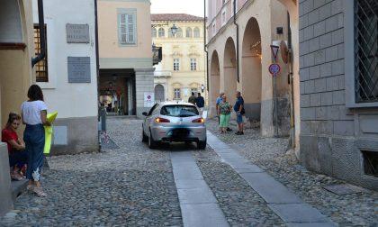 Piazza Cisterna chiude alle auto. I dettagli