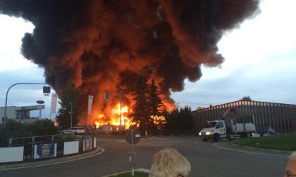 Incendio Bergadano - Oltre al danno ambientale da gestire il caos plastica e rifiuti speciali