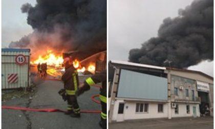 """Incendio Bergadano aggiornamenti - Arpa rassicura: """"Non ci sono nell'aria inquinanti superiori ai limiti"""""""