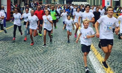 In 850 di corsa per aiutare la ricerca sul cancro