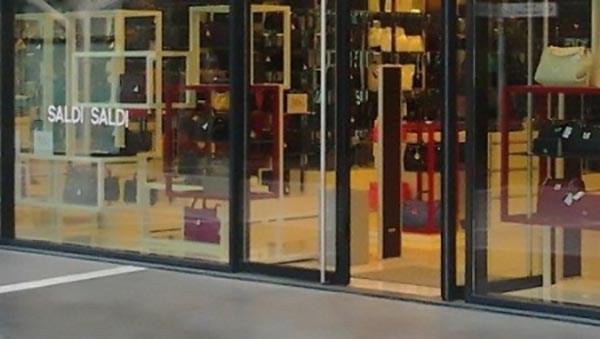 Porte spalancate d'estate e d'inverno, Legambiente contro negozi spreconi