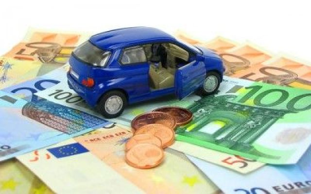 Scadenza bollo auto, pagamento negli uffici postali