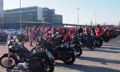"""Più di 200 """"Babbi Natale in moto"""" fino all'ospedale"""
