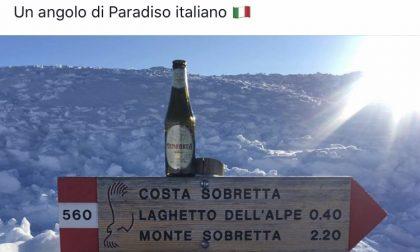 Matteo Salvini beve birra biellese