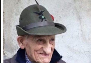 Morto a 104 anni l'alpino Efrem Bolengo. Domani il funerale
