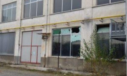 Sette giovani devastano l'ex lanificio Mario Zegna