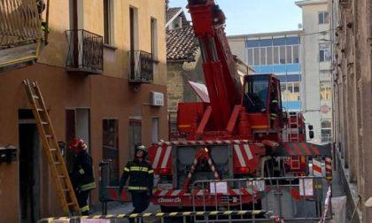 Balcone danneggiato da un mezzo a Miagliano