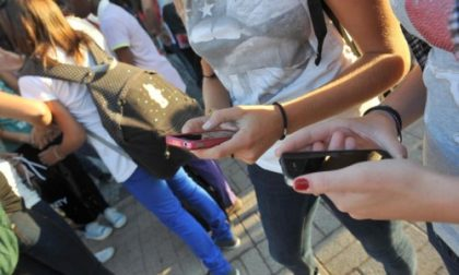 """""""No ai cellulari durante le visite d'istruzione"""": giro di vite al Biella Tre"""