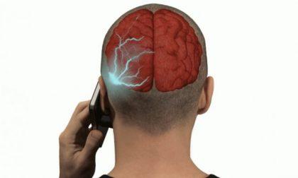 """""""Il cellulare può provocare tumori al cervello"""", sentenza Ivrea confermata"""