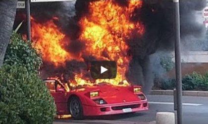 Ferrari F40 in fiamme a Montecarlo – VIDEO