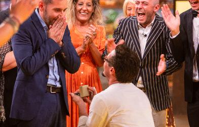 Vince Masterchef e chiede la mano al compagno di Sandigliano