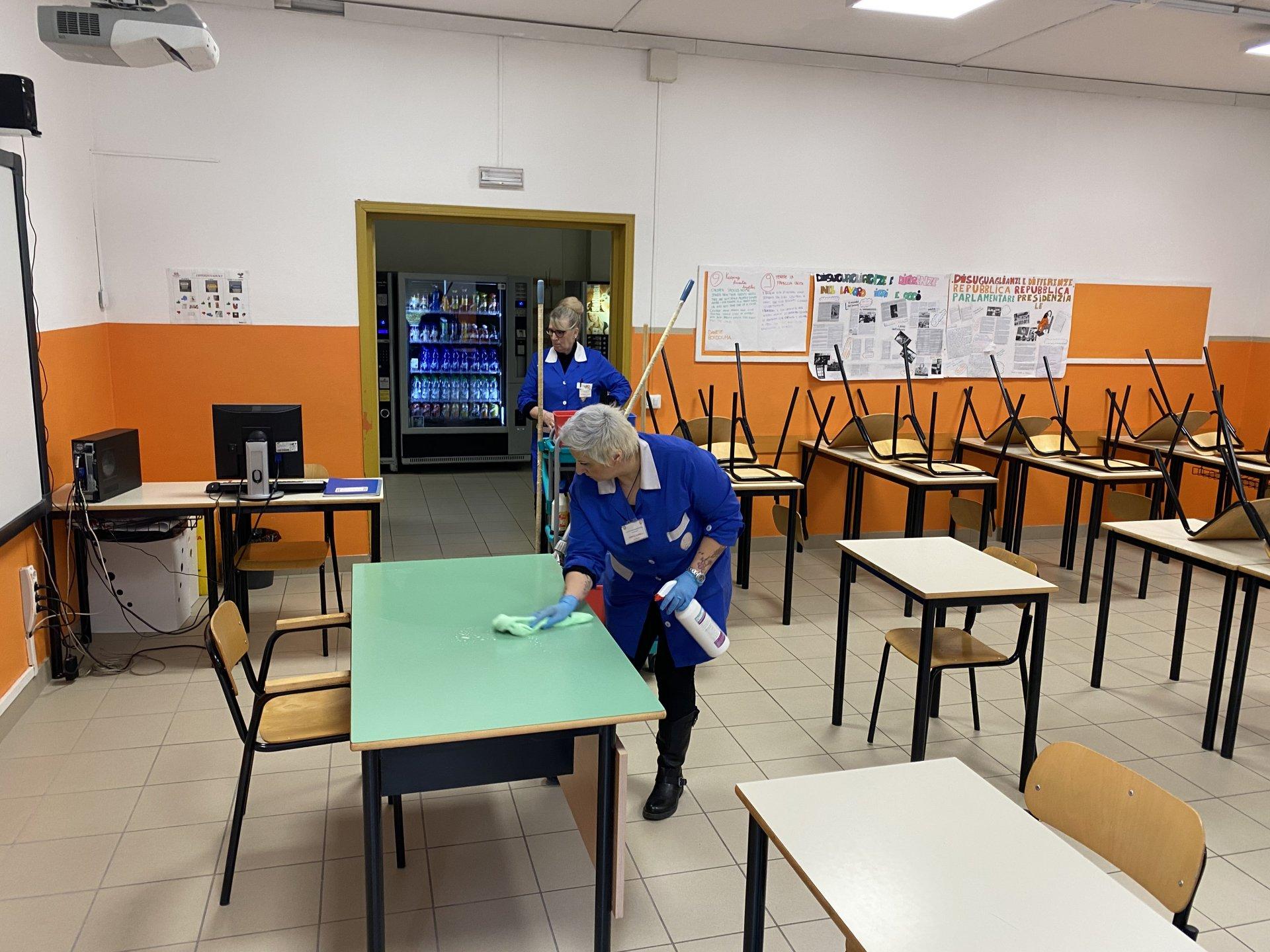 Scuole e igienizzazione, porte aperte al Gae Aulenti - FOTO - Prima Biella
