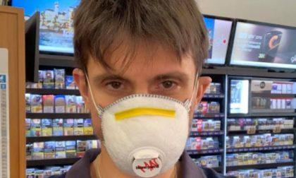 Lo sfogo del giovane tabaccaio e runner di Biella: «Basta insulti»