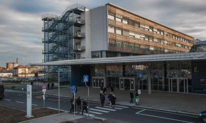 Auto contro moto: 17enne finisce in ospedale