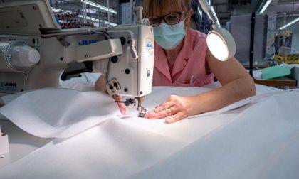 Gruppo Zegna riparte per produrre 280mila camici protettivi per ospedali di Piemonte e Svizzera FOTO