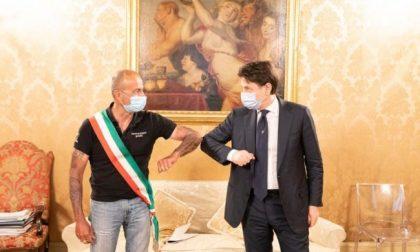 """Sindaco in bici a Roma per incontrare Conte: """"Gli ho restituito i 600 euro"""""""