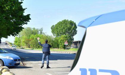 Insultano i poliziotti su Facebook: in sei nei guai per diffamazione e oltraggio