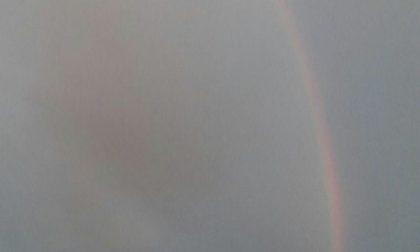 Dopo la bomba d'acqua un bellissimo arcobaleno. Ecco le previsioni di oggi