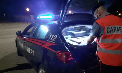 Si mette alla guida dopo aver bevuto troppa birra, 40enne nei guai
