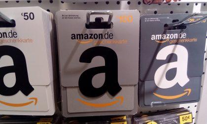 Amazon compie 10 anni e regala buoni fino a 10mila euro