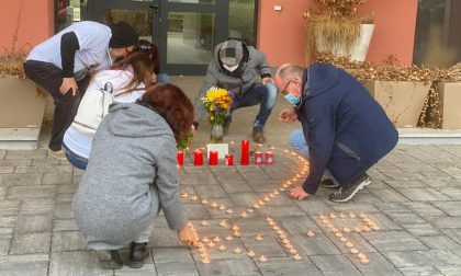 Lumini e fiori al Tempio Crematorio per ricordare le vittime del forno FOTO