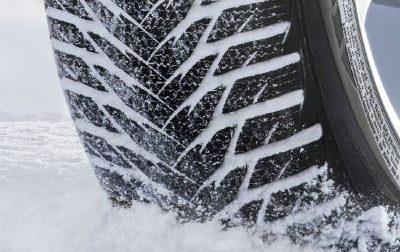 Strade, dal 15 novembre per auto scatta obbligo gomme da neve o di catene a bordo