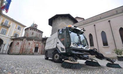 Occhio a dove si parcheggia: tutti i lunedì e giovedì a Biella rimozione auto per spazzamento
