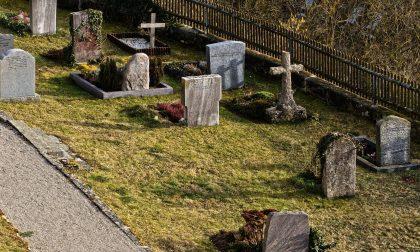 Cavaglià, furto al cimitero