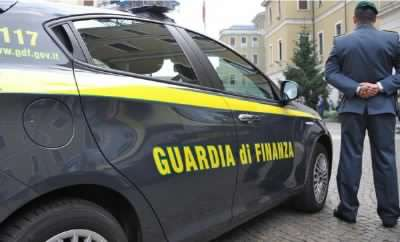 Reddito di cittadinanza buttato al gioco d'azzardo: perdono quasi 100mila euro