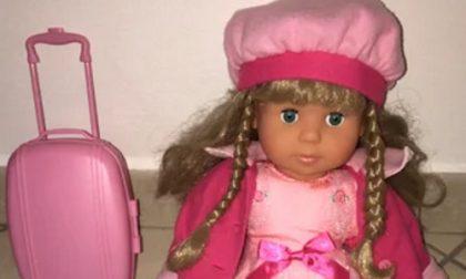 Rubano bambola in negozio e si danno alla fuga. Denunciate tre ragazze