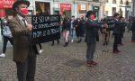 Biella, flash mob di soli uomini contro la violenza sulle donne