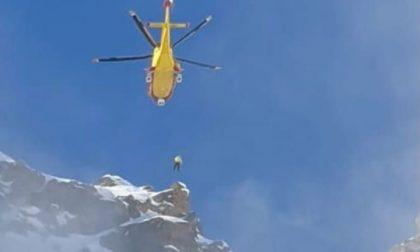 Scialpinista salvato oggi in montagna da Soccorso alpino ed eliambulanza