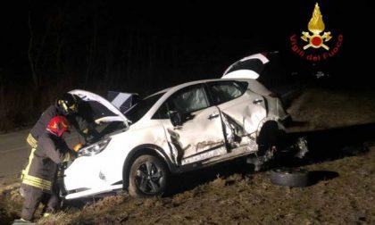 Violento scontro tra due auto sulla SP 322 in direzione Salussola