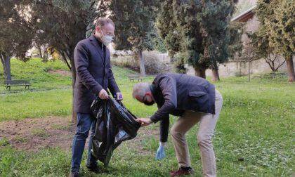 Fratelli D'Italia ripulisce i parchi biellesi e presenta una mozione al Governo