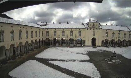 A Oropa ha nevicato. Ecco le foto del Santuario imbiancato