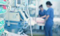 Scende la pressione sulle terapie intensive: non succedeva dallo scorso 7 marzo 2021