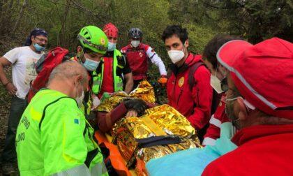 Biker cade in montagna e perde conoscenza: intervento in zona impervia per il Soccorso Alpino