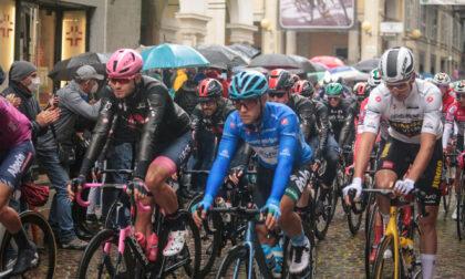 Le foto del Giro d'Italia a Biella sotto la pioggia