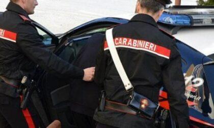 Ragazzo di 22 anni cerca di investire un carabiniere poi di fuggire su una moto rubata