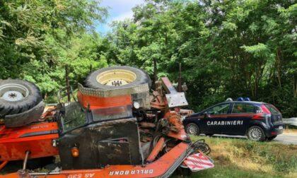 Agricoltore si ribalta con il trattore: grave a Novara