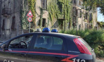 Ventenni incensurati rubato manufatti in ferro in una villa abbandonata: denunciati