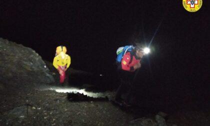 Notte di paura per un uomo e il nipote bloccati a 3mila metri
