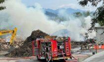 Grosso incendio all'ecocentro di Biella, impianto chiuso