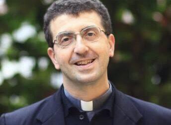 Creato falso profilo Facebook del Vescovo Farinella
