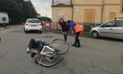 Ciclista travolto nella rotonda di via Cottolengo a Biella