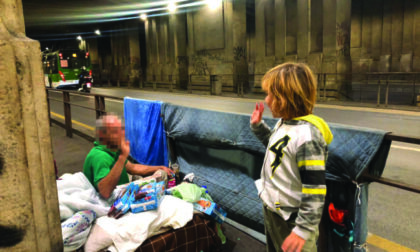 Lapo, il bimbo di 8 anni che anziché i giochi chiede una mano ad aiutare i bisognosi